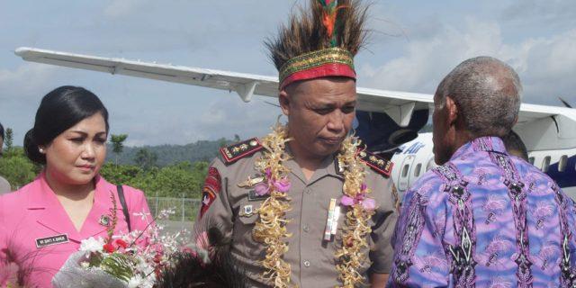 Tongkat Kepemimpinan Polres Kepulauan Yapen Dipegang Kariawan Barus
