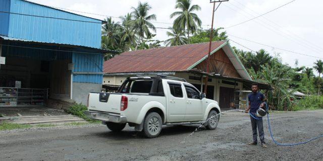 Debu Material Peningkatan  Jalan Poros Batu zaman- Nonomi Ganggu Warga